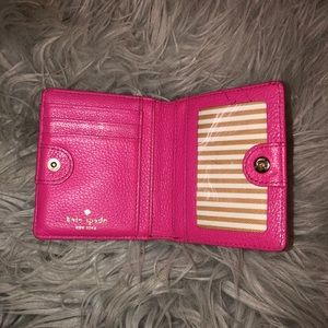 kate spade Bags - ✨ACCEPTING OFFERS✨Kate spade ♠️ wallet